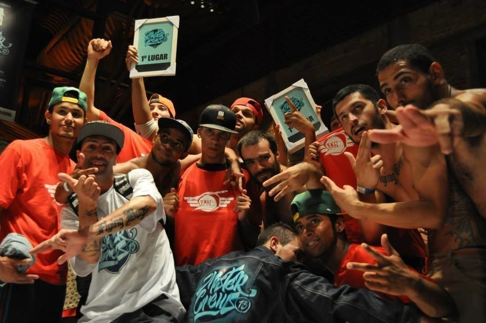 A equipe do Flying Boys Crew, tetracampeã do Master Crews – maior evento de danças urbanas da América Latina